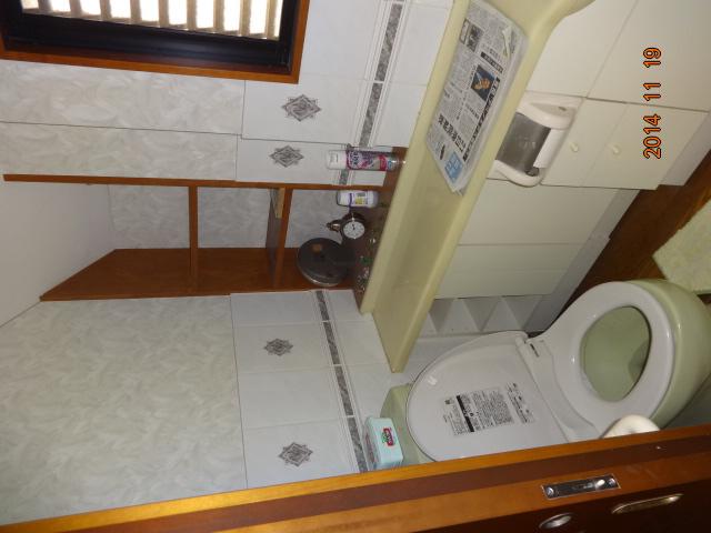 親・子世帯が暮らす鉄骨3階建ての使いにくい生活空間